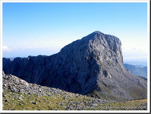 Jito Escarandi - Jierru 2424m - Lechugales 2444m - Grajal de Arriba y de Abajo (Picos de Europa) 0053