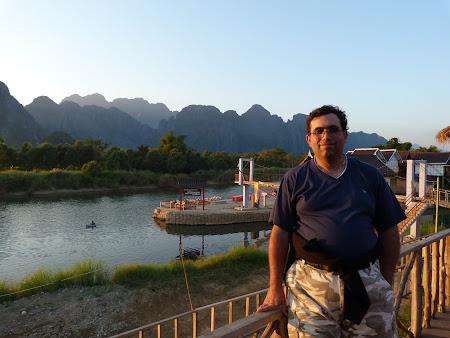 La apus de soare cina in Vang Vieng