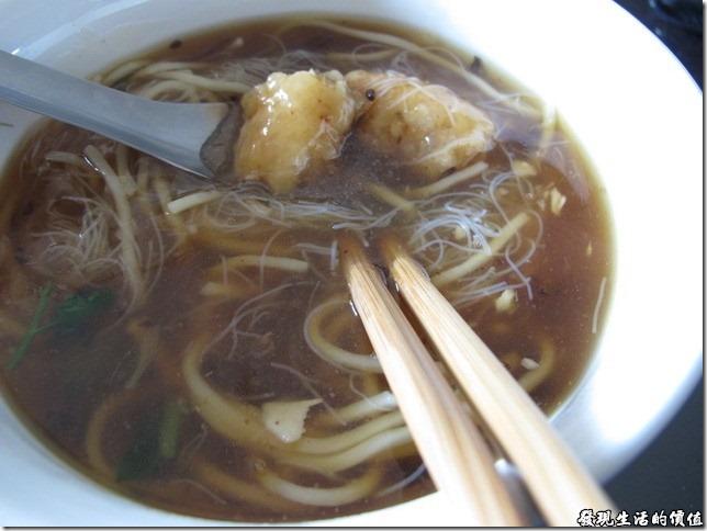 吃得到[魚土]魠魚味的台南公園口[魚土]魠魚羹
