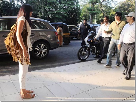 Shahrukh-Khan-Deepika-Padukone-Chennai-Express-Shooting-Goa-6