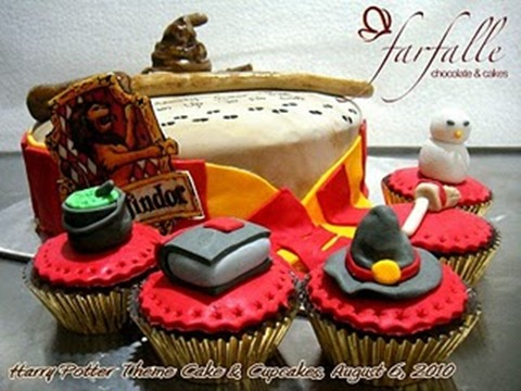 Harry_Potter_Theme_Cake_and_Cupcakes_1