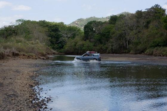 Camaronal_Beach_River_Crossing