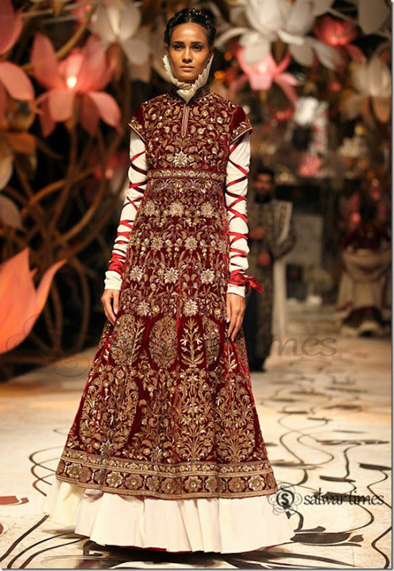 Rohit_Bal_India Bridal_Fashion_Week 2013 (5)
