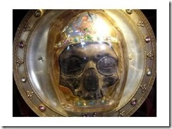skull-illusion-john-the-baptist-head-amiens