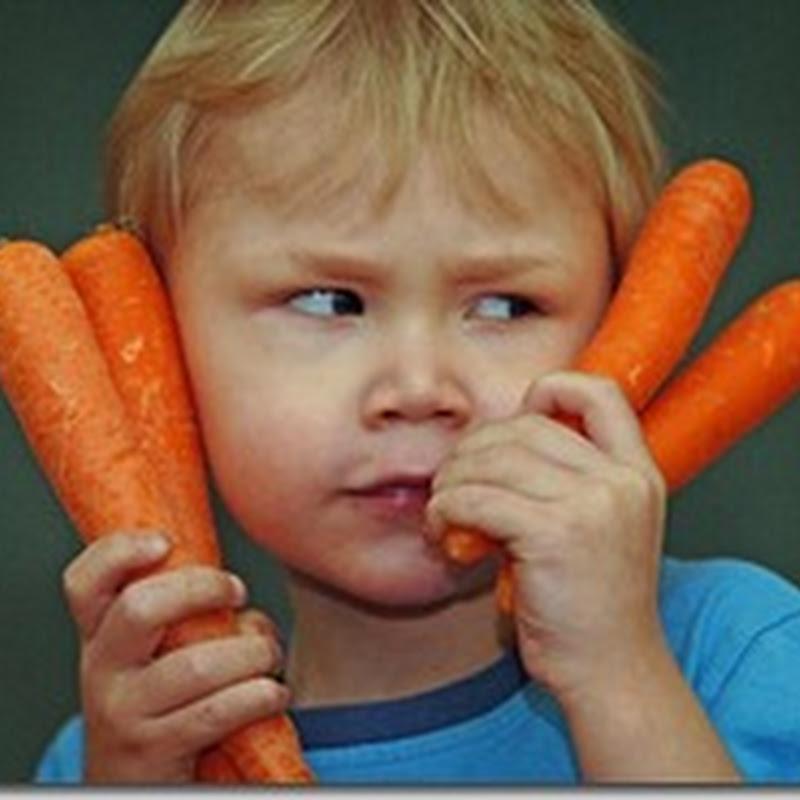 طفل يتحول لونه الى البرتقالى لكثرة تناوله الجزر
