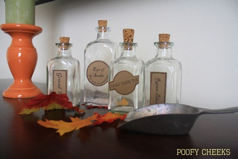 Apothecary Jars and FREE Printables from www.poofycheeks.com