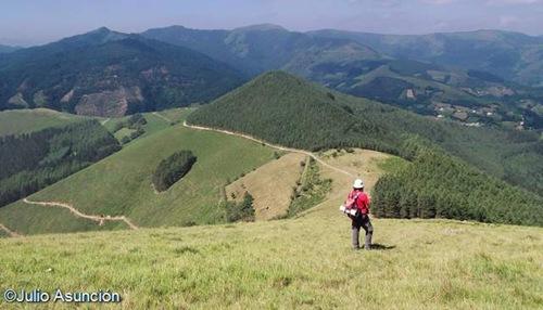 Panorámica desde el alto de Arramaleta - ruta megalítica de Goizueta