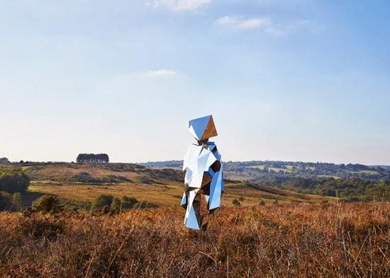 Carl O Robô espelho solitário 01