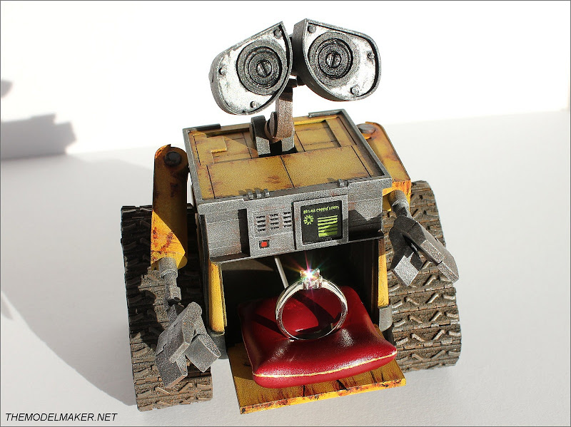 Wall-E Engagment Ring Box by themodelmaker