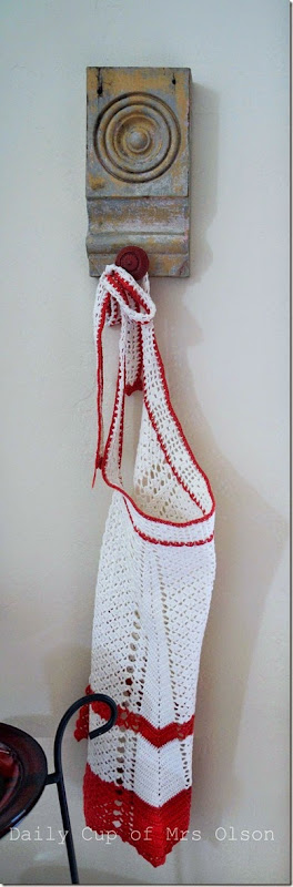 apron hook 001