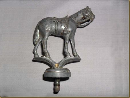 Patung kuda kecil kuningan