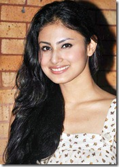actress_mouni_roy_cute_smile_photo