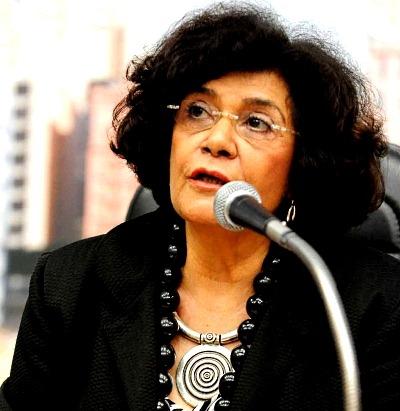 Marilena Chauí ebooklivro.blogspot.com