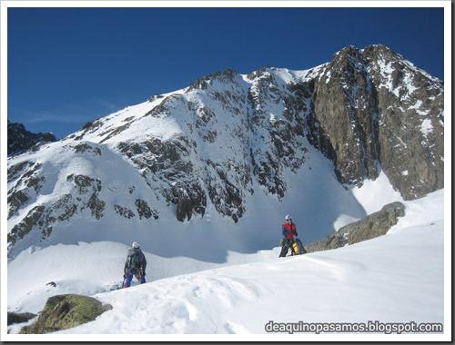 Intento al Corredor Nefropatia 200m D  90º (Pico Piedrafita 2965m, Pirineos) (Fede) 0036