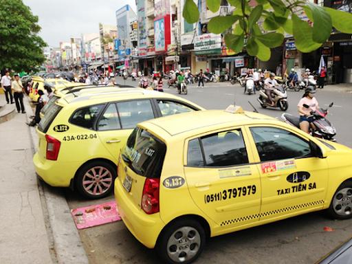 taxi de lai an tuong cho du khach