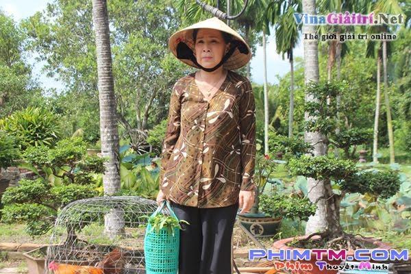 Kim-xuan-cong-ninh-nghieng-nghieng-dong-nuoc-Showbizvn-14715 (1)