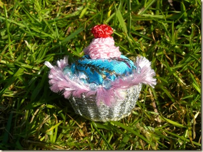 miniature cupcake pincushion