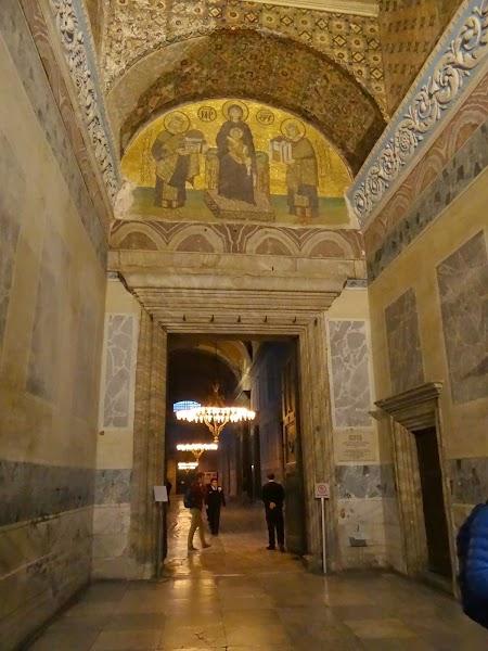 Obiective turistice Istanbul: Intrare Sf. Sofia