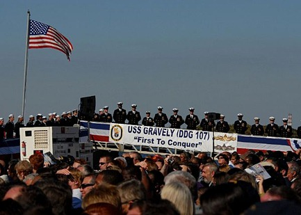 uss_gravely_commissioning2 nov2010
