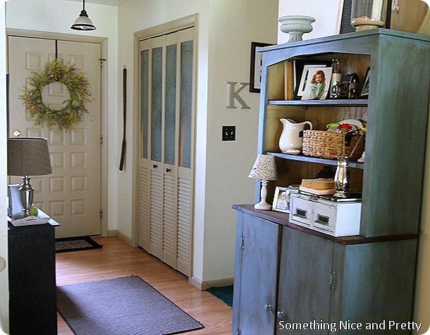 Around the Livingroom 004