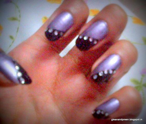 Bindi Nail Art
