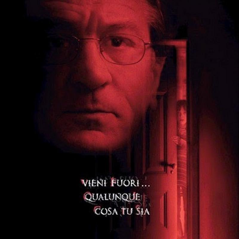 Nascosto nel buio un thriller di ordinaria amministrazione.