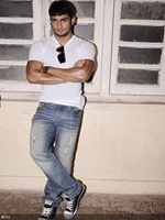 prateik babbar latest pictures