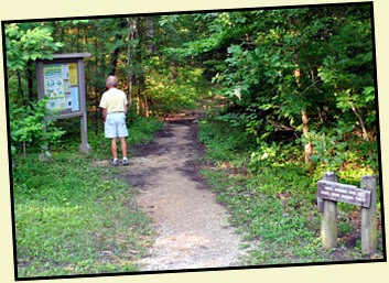 01a - Angel Window's Trailhead - .25 miles