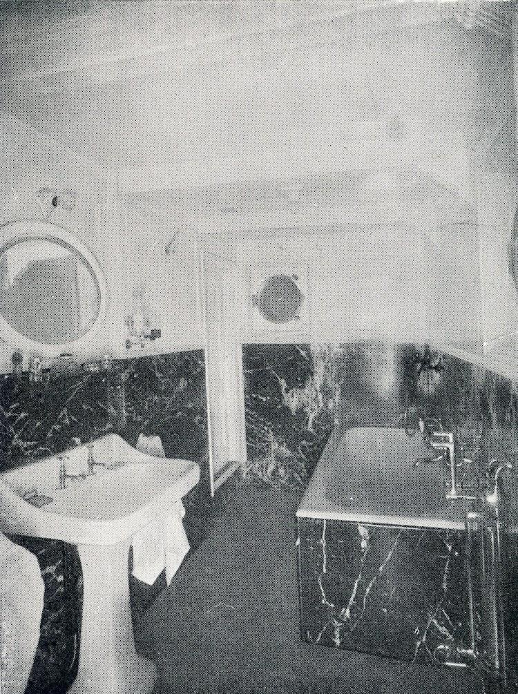 CAMPUZANO. Baño del Capitán. Del libro CAMPSA 1928-1932.JPG