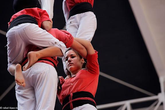 Colla Vella dels Xiquets de Valls, 2 de 9 amb folre i manilles.XXIIIe Concurs de Castells a Tarragona.Tarraco Arena Placa (antiga placa de braus).Tarragona, Tarragones, Tarragona