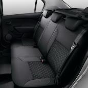 2013-Dacia-Logan-Sandero-Interior-8.jpg