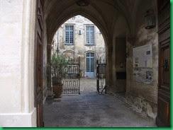 b-doorway