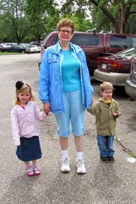 Jo, Elaine and Nolan at Zoo