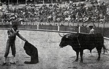 1903-09-08 (p. 1903-10-29 SyS) Murcia Montes entando a matar ahon 2º toro