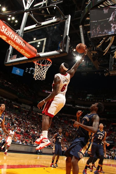 lebron james nba 140107 mia vs nop 05 LBJ Continues to Wear Nike Soldier VII with new Miami Home PE