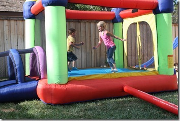 bouncy house 012