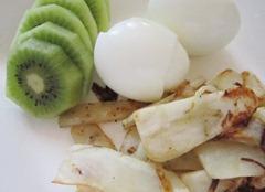 kiwi, hard boiled eggs, sweet potato home fries, 240baon