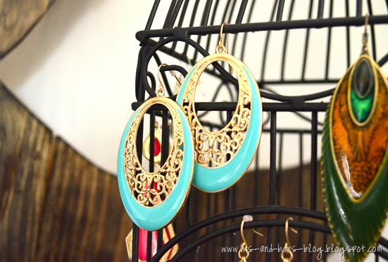 hang earrings on a birdcage