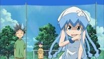 [HorribleSubs] Shinryaku Ika Musume S2 - 02 [720p].mkv_snapshot_05.56_[2011.10.03_20.55.01]