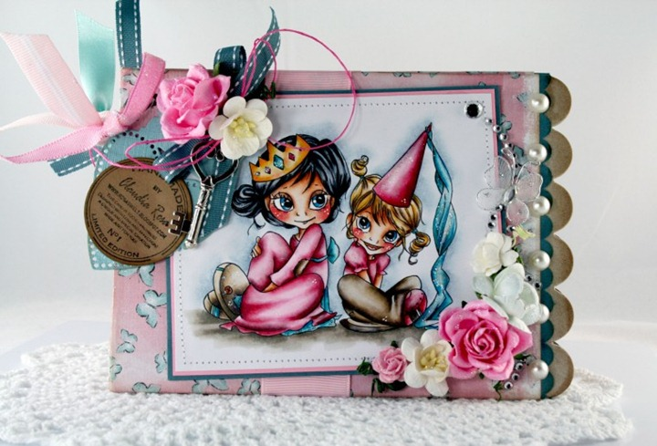 Claudia_Rosa_Princess chipboard album_4