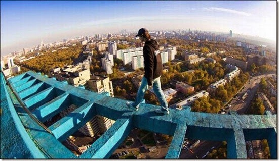 roofers_not_afraid_of_heights_34