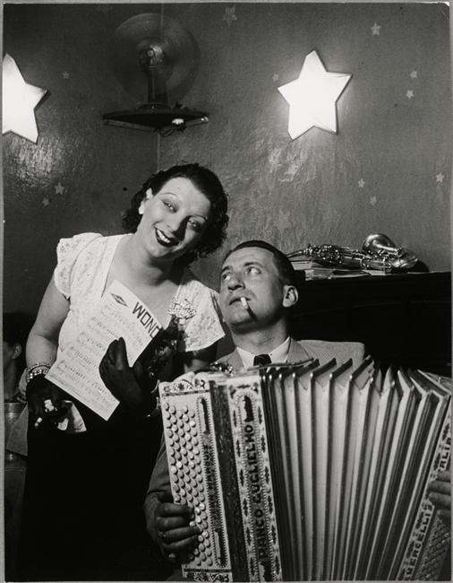 Brassaï ~ Kiki et son accordéoniste, au