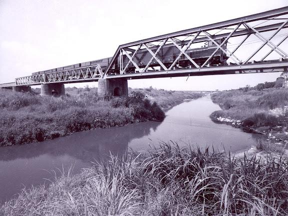 鐵橋與五分車
