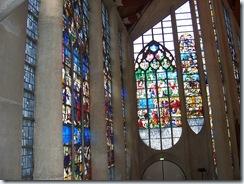 2011.07.08-010 vitraux de l'église Ste-Jeanne d'Arc