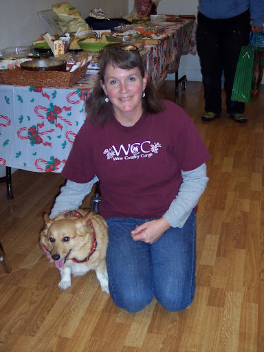 Jenny Bender runs a Welsh Corgi Club (www.winecountrycorgis.com), shown here with 13 year old Emma