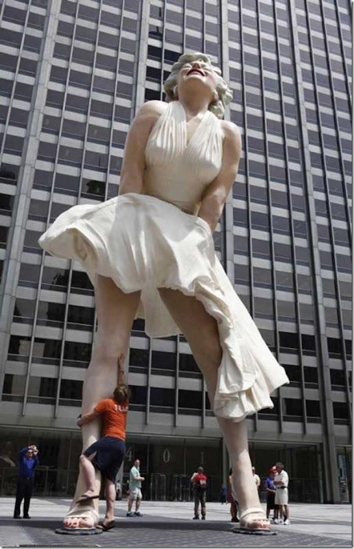 Escultura gigante de Marilyn Monroe em Chicago (8)