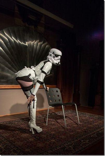 storm-trooper-burlesque-11