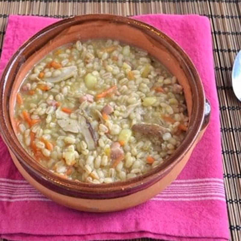 Σούπα με σιτάρι και μανιτάρια