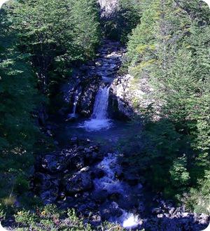 Riacho na trilha Pehoé-Grey