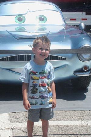 Cars 2 016